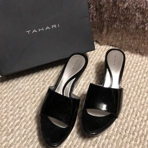 Patent leather Tahari sandals